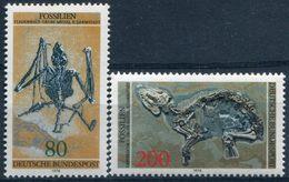 Y&T  N° 821-822 ** Fossile