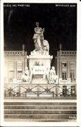 Bruxelles (1000) : Vue Nocturne Du Monument à La Patrie, Place Des Martyrs En 1930. Carte-Photo Albert - Rare. - Bruxelles La Nuit