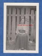 Photo Ancienne D'un Poilu - CHATEAU THIERRY - Portrait D'une Dame - Femme Locale - Voir Robe Costume Coiffe Paysan Type