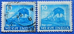 INDIA 2 X 10 1976 TRAIN ELECTRIC LOCOMOTIVE (DIFFERENT COLORS) - USED