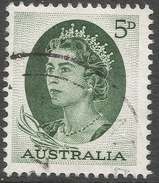 Australia. 1963-5 QEII. 5d Green Used. SG 354 - 1952-65 Elizabeth II : Pre-Decimals
