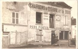 Dépt 02 - COINCY - Carte-photo QUINCAILLERIE, Charbons De Terre Et De Bois, Chaux, Ciment, Fers,Fontes - (toit Effondré)