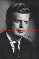 Peter Glossop Opera Signed Photo 11x16,5cm - Autogramme