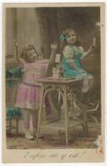 """FANTAISIE ENFANT LITTLE GIRL MAEDCHEN  : """" Enfin çà Y Est """" Enfants Avec Jeu Château De Cartes à Jouer - Retratos"""