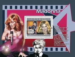 GUINEA 2007 SHEET THE STARS OF MUSIC LES STARS DE LA MUSIQUE SINGERS SINGER MADONNA Gu0774b