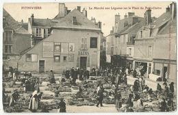 Pithiviers (45 - Loiret) Le Marché Aux Légumes Sur La Place Du Petit Cloitre - Pithiviers