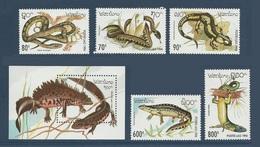 Laos 1994 Yvert Bloc 127 ** + Serie 1134/1138 **reptiles Serpents Snakes Serpenti Lezards Triturus Natrix Triton