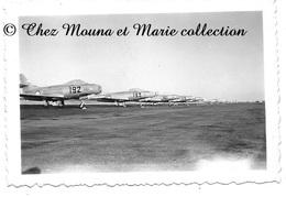 AVIONS DE CHASSE DASSAULT OURAGAN - PHOTO MILITAIRE 9.5 X 6.5 CM - Guerre, Militaire