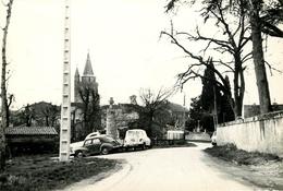 Dép 47 - Voitures - Automobile - Ste Colombe En Bruilhois - Sainte Colombe En Bruilhois - Sortie Du Village - 2 Scans - Autres Communes