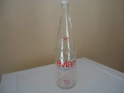 Bouteille D'eau - De ? - EVIAN - NATURAL MINERAL WATER -  100 Cl - Vide - - Otras Botellas