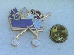 LANDAU ENFANT OURS PELUCHE        BBBB     113 - Badges