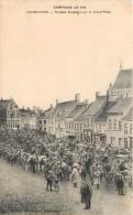 Poperinge - Troupes Anglaises Sur La Grand'Place - Poperinge