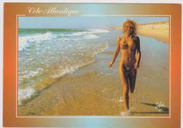 COTE ATLANTIQUE - Naturisme - Joie De Vivre - Jeune Femme Nue Courant Sur La Plage - Fine Nudes (adults < 1960)