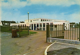 COURRIERES.  L' Ecole Jean Moulin   2 Scans   TBE - Francia