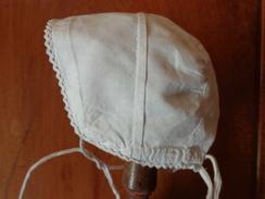 Coiffe  Ancienne De Bebe Pour Poupee Poupon  A Restaurer - 1900-1940