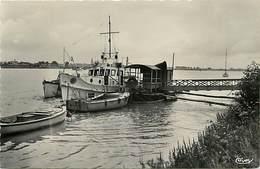 - Loire Atlantique -ref- B733- Le Pellerin - Bateau Et Ponton Des Ponts Et Chaussees - Bateaux - Carte Bon Etat - - France
