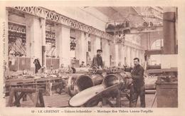 71-LE CREUZOT- USINES SCHNEIDER, MONTAGE DES TUBES LANCE-TORPILLE - Le Creusot