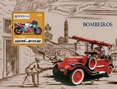 GUINE BISSAU 2005 SHEET GOLD FIRE ENGINES MOTORCYCLES MOTOS POMPIERS BOMBEROS FEUERWEHRMANN Gb5p10b - Guinea-Bissau