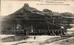 L'AUVERGNE PITTORESQUE - ARRET DU TRAMWAY AU SOMMET DU PUY DE DOME - France
