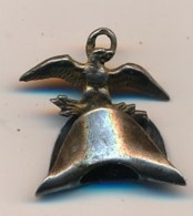 Médaille En Argent En Réduction à Identifier - Aigle Articulé Sur Le Bicorne De Napoléon 1er - Insignes & Rubans