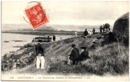 35 SAINT-MALO - Les Touristes Au Tombeau De Chateaubriand   (Recto/Verso) - Saint Malo