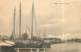 REIMS - Vue Sur Le Port. - Reims
