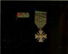 Croix De Guerre 2 étoiles + Barrette 2 étoiles/ Combats Du 20/08/1917 Des 10-11-12/06/1918,  Du 31 Octobre 1918 - 1914-18