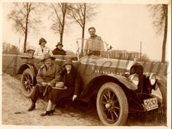 Photo Ancien / Foto / Femmes / Women / 1920s / Men / Hommes / Car / Voiture - Automobiles