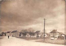 ¤¤  -  BULAT-PESTIVIEN   -   La Place Du Bourg   -  ¤¤ - Autres Communes