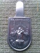 Emblema De Auxilio Social De Basílica Virgen Del Pilar. Zaragoza. Post Guerra Civil Española. 1940. Bando Nacional - 1939-45