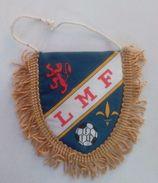 Ancien Fanion De Football - LMF Ligue Du Maine Ou Ligue Mahoraise (Mayotte) FFF - Habillement, Souvenirs & Autres