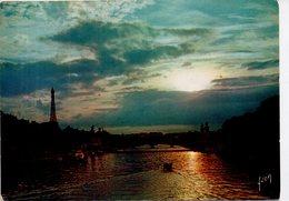 Paris - Coucher De Soleil Sur La Seine - The River Seine And Its Banks