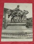 35 - Fougères - Statue Du Général Lariboisière  ---------- 422 - Fougeres