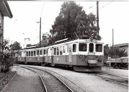 Train Pour Montreux à Fontanivent 14.8.1972  M.O.B. BVA - Stations - Met Treinen