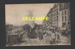DD / TRANSPORTS / CHEMINS DE FER / TRAINS / À NANTES LE TRAIN A VAPEUR QUAI DE LA FOSSE, STATION DE LA BOURSE - Trains