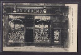 CPA 10 - TROYES - DEVANTURE MAGASIN CHAUSSURES DE PREMIERES MARQUES BOUCQUEMONT - 46 , Rue Thiers - Troyes