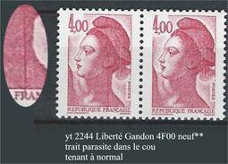"""FR Variétés YT 2244 """" Liberté Gandon 4F. Carmin """" Trait Parasite Dans Le Cou TAN - Errors & Oddities"""