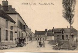 77 VAUDOY  Place De L'Hôtel De Ville - France