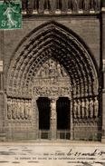 CPA Paris Le Portail Du Milieu De La Cathédrale Notre-Dame - Eglises Et Cathédrales