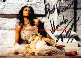 Morenike Fadayomi Opera Signed Photo 17,5x12,5cm - Autographes