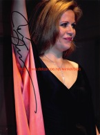Renee Fleming Opera Signed Photo 20x27cm - Autographes