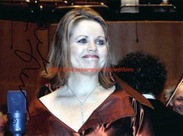 Renee Fleming Opera Signed Photo 20x27cm - Autographs