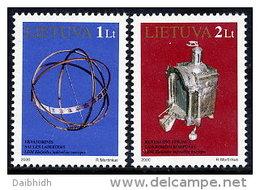 LITHUANIA 2000 Clocks Set Of 2  MNH / **.  Michel 728-29 - Lithuania