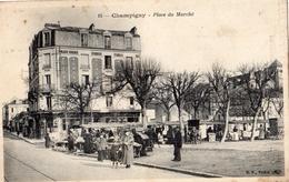 CHAMPIGNY-SUR-MARNE PLACE DU MARCHE  (UN JOUR DE MARCHE) - Champigny Sur Marne