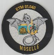 Insigne Tissu Scratch ETM 01.040 Moselle Escadron De Transport Militaire - Stoffabzeichen
