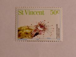ST-VINCENT  1983   LOT# 5   FISH - St.Vincent (1979-...)