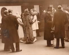 Londres Victoria Station Arrivee De Princesse Marina Famille Royale Roi George V Ancienne Photo 1934 - Famous People
