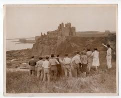 Ecosse Chateau De Tantallon Castle Groupe De Vacanciers Ancienne Photo 1930 - Photographs