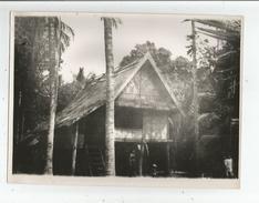 LAOS VILLAGE DES FORGERONS PRES DU NAM KHAN UNE CASE PHOTO ANNEES 50 - Places