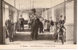RENNES- 35 - Ecole D'Architecture . Un Jour De Loge - RARE - - Rennes